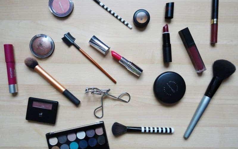 Kosmetik Midlife Crisis